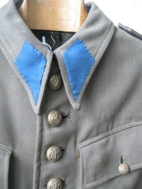 Identification vareuse française avec pattes de col inconnues Img_4670