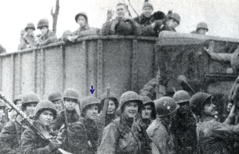18 décembre 1944; to the rescue! Fco50110