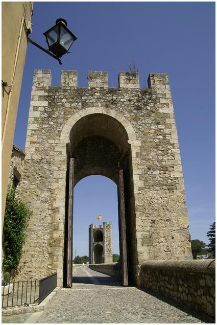 Remparts de Besalou Besalo11