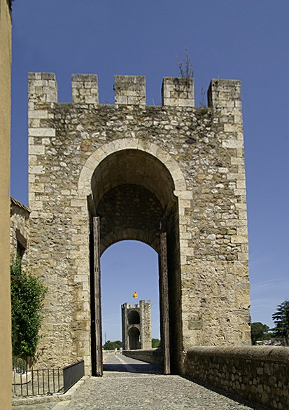 Remparts de Besalou Besalo10