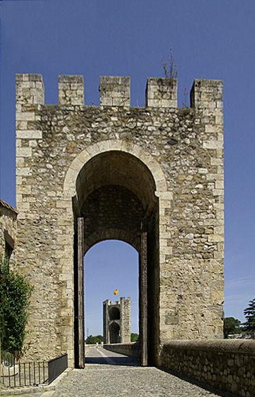 Remparts de Besalou Besalo12