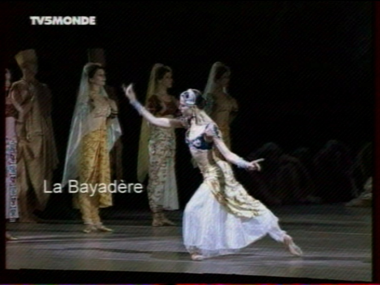 Bayadère - Page 2 Cap21910