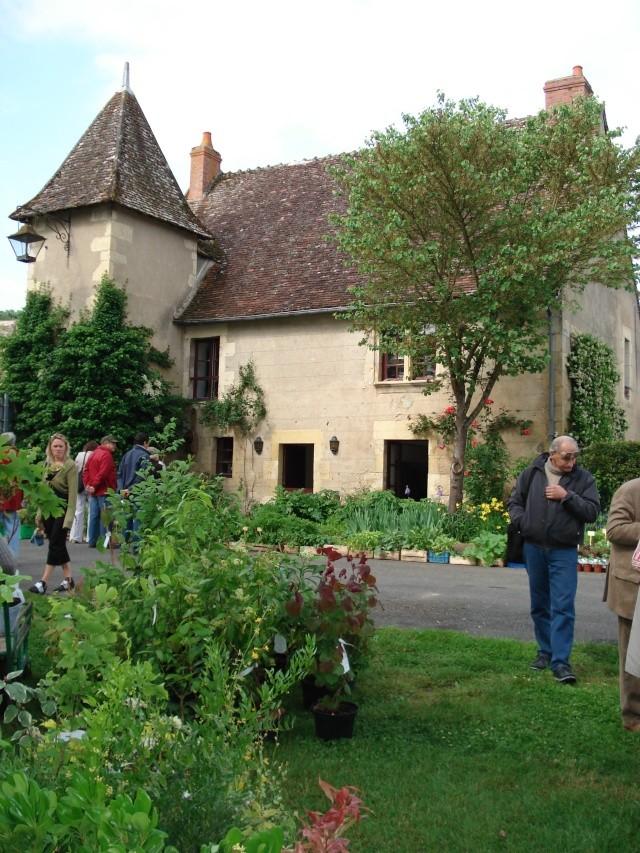 Apremont sur Allier , fête des plantes Apremo15
