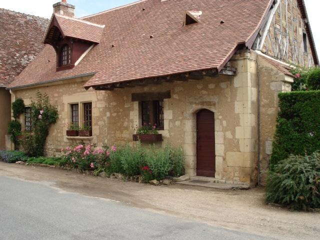 Apremont sur Allier , fête des plantes - Page 2 Apremo37