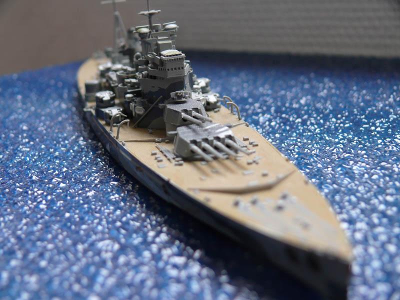 HMS PRINCE of WALES par Yuth 1/700 - Tamiya P1010113