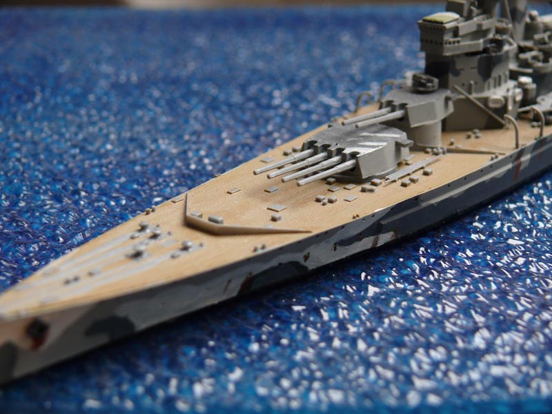 HMS PRINCE of WALES par Yuth 1/700 - Tamiya P1010117