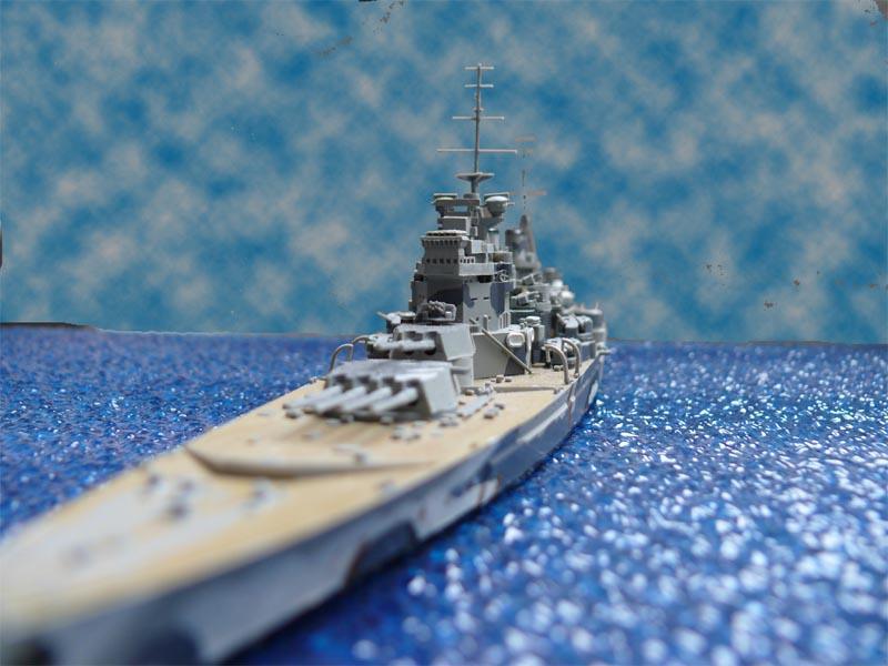 HMS PRINCE of WALES par Yuth 1/700 - Tamiya P1010123