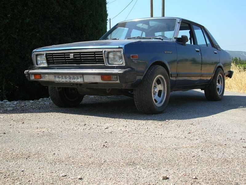 Ma Datsun VIOLET 140J de 1981 Dscn2012