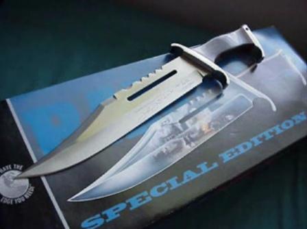 Le couteau, meilleur ami de l'homme - Page 3 Rambo112