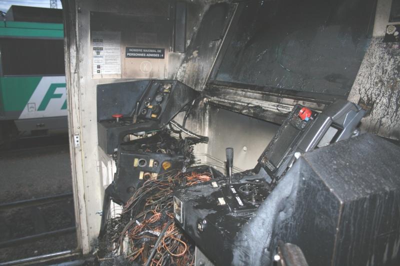 Dépôt  du  Bourget:  incendie  nocturne  de  la  BB  22217 Img_1012