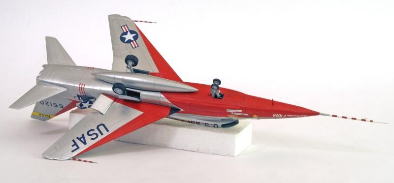 North American YF-107A Ultra Sabre (Trumpeter-72ème) Dessou10