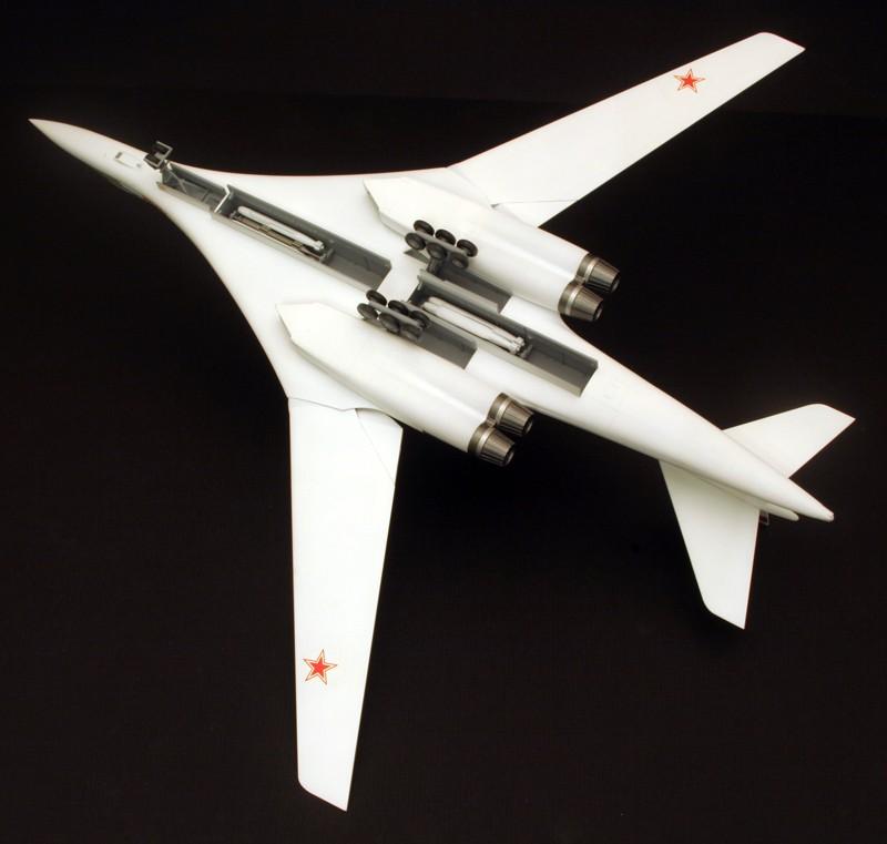 "Tupolev Tu-160 ""Blackjack"" [1:144 - ZVEZDA] Dessou11"