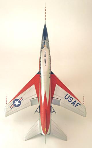North American YF-107A Ultra Sabre (Trumpeter-72ème) Dessus11