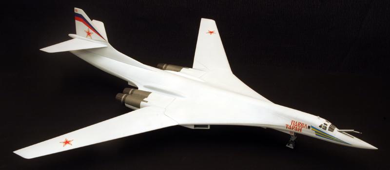 """Tupolev Tu-160 """"Blackjack"""" [1:144 - ZVEZDA] Dessus12"""