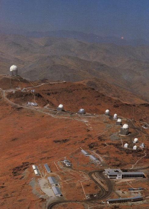 Observatoires astronomiques vus avec Google Earth - Page 2 La_sil11