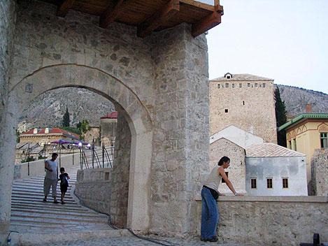Le fameux pont de Mostar (Bosnie je crois)  013-1s10