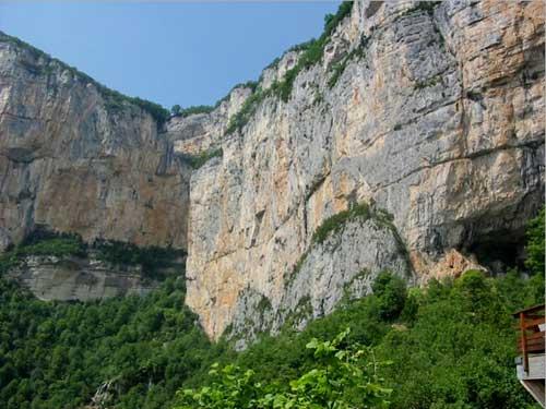 Les grottes du Monde illustrées avec Google Earth Grotte13