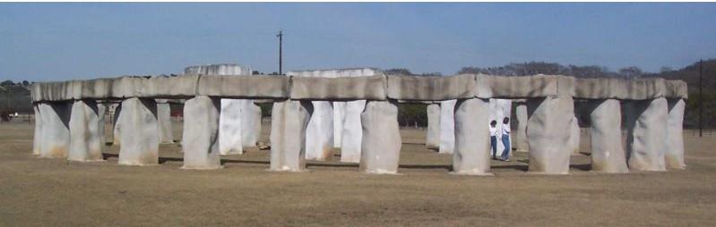 Stonehenge : les répliques Wiki110