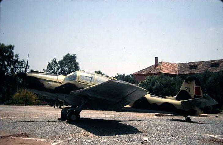 FRA: Photos avions d'entrainement et anti insurrection Morane10