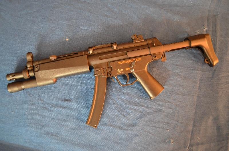 MP5-J, 4 hi cap, flashlight...315fps     150€ M5-j_n10