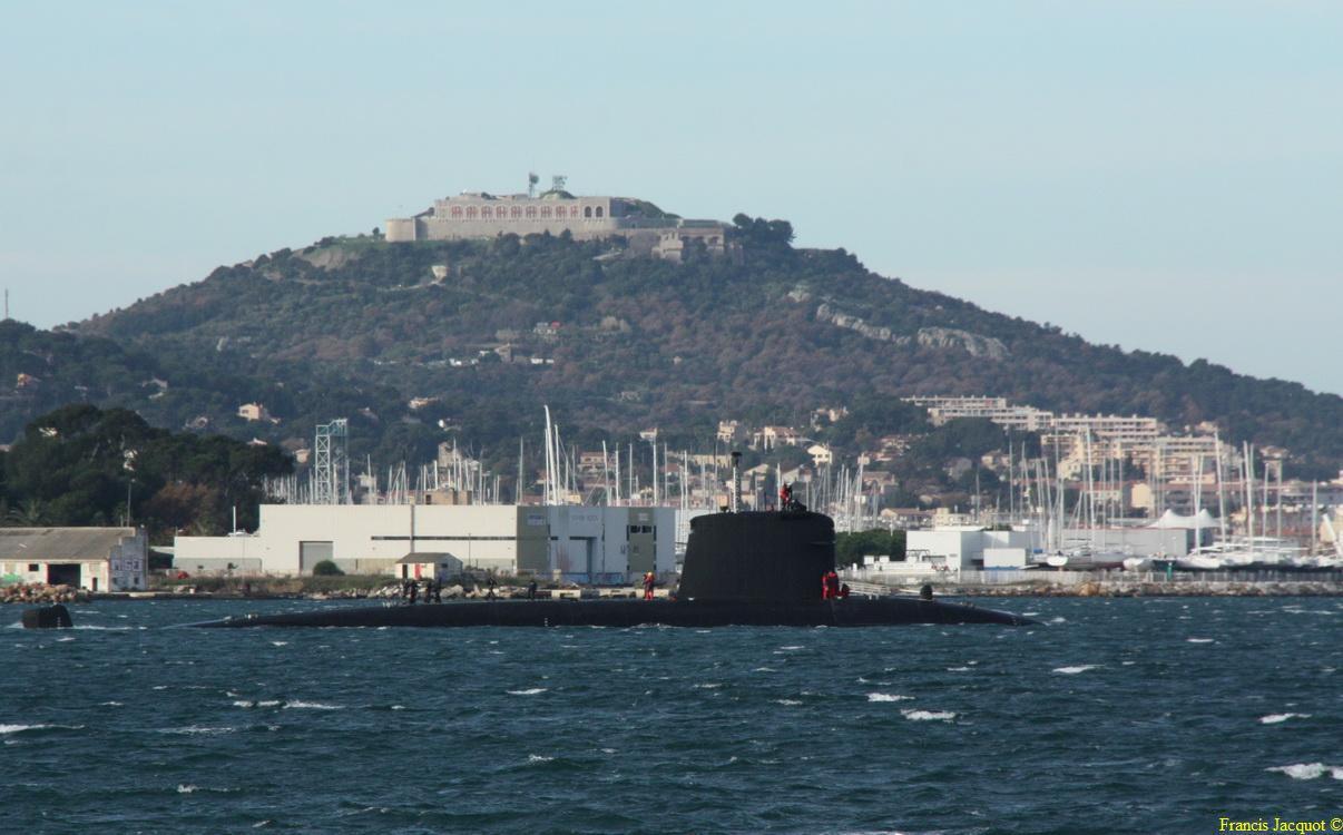 [LES PORTS MILITAIRES DE MÉTROPOLE] Mouvements de Bâtiments dans la rade de Toulon - Page 3 0911