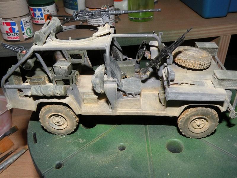 land rover RSOV hobby boss 1/35e ( Fafa )  Dscn9712