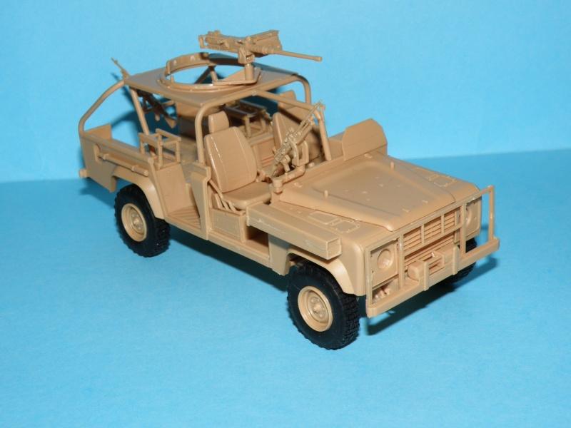 land rover RSOV hobby boss 1/35e ( Fafa )  Pc130021