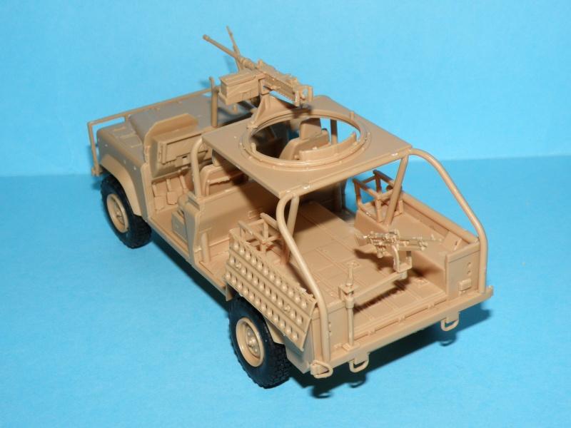 land rover RSOV hobby boss 1/35e ( Fafa )  Pc130023