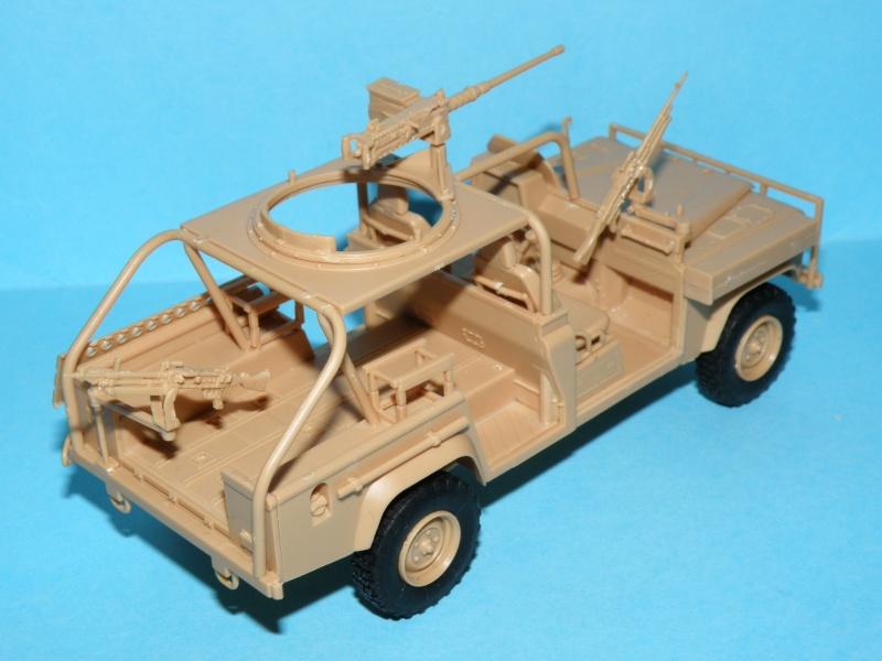 land rover RSOV hobby boss 1/35e ( Fafa )  Pc130024