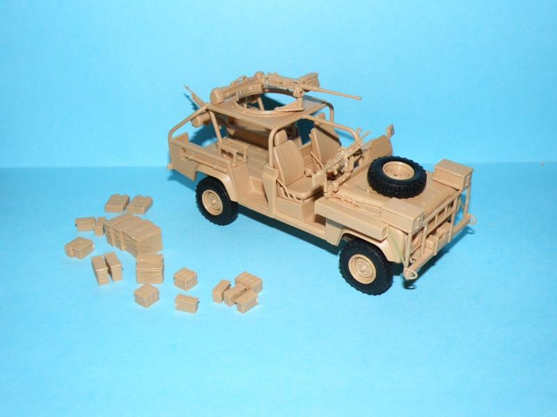 land rover RSOV hobby boss 1/35e ( Fafa )  Pc140010