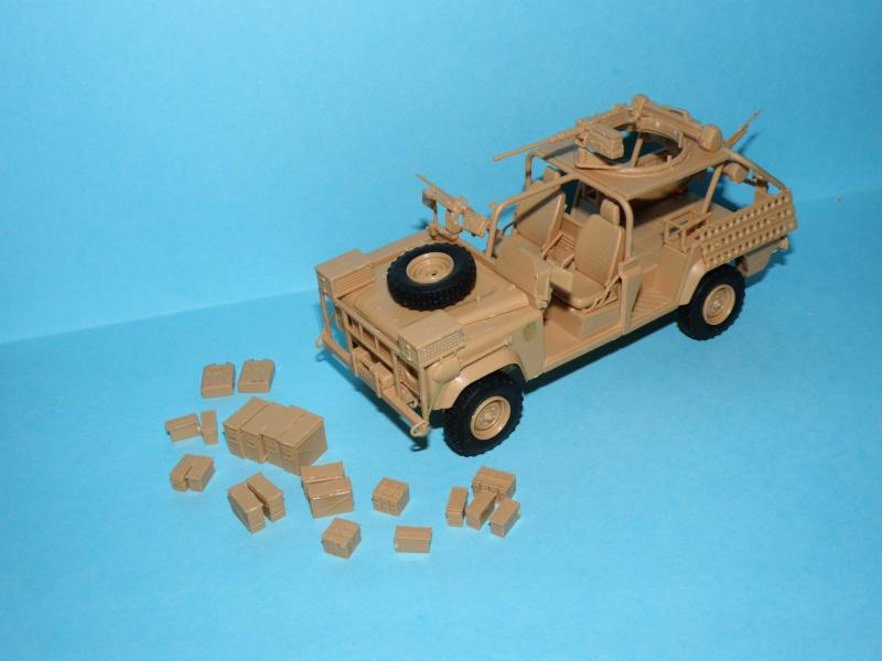 land rover RSOV hobby boss 1/35e ( Fafa )  Pc140011