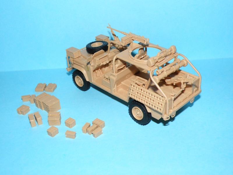 land rover RSOV hobby boss 1/35e ( Fafa )  Pc140012