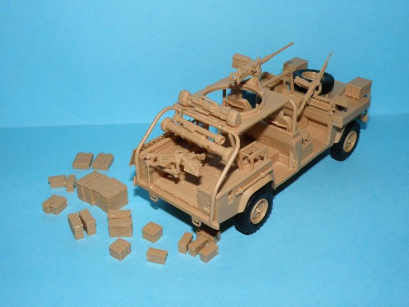 land rover RSOV hobby boss 1/35e ( Fafa )  Pc140013