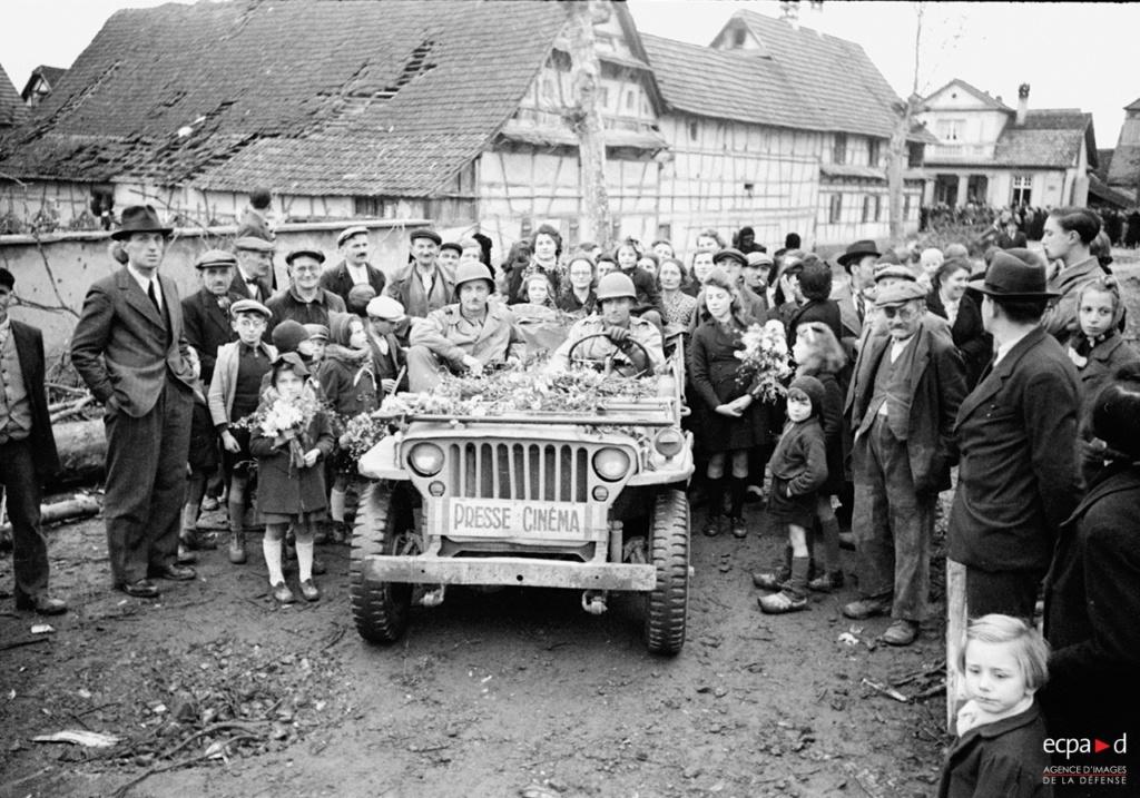 Prises de guerre - Jeep ECPAD Terre-11