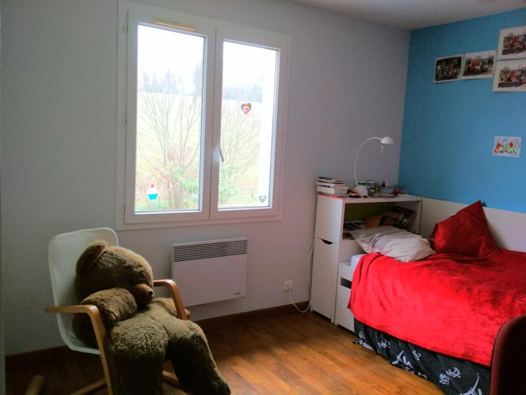 Chambre pré-ado rouge et grise Img_2010