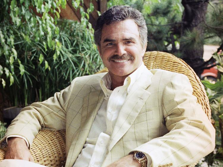 Burt Reynolds passes away 1h15