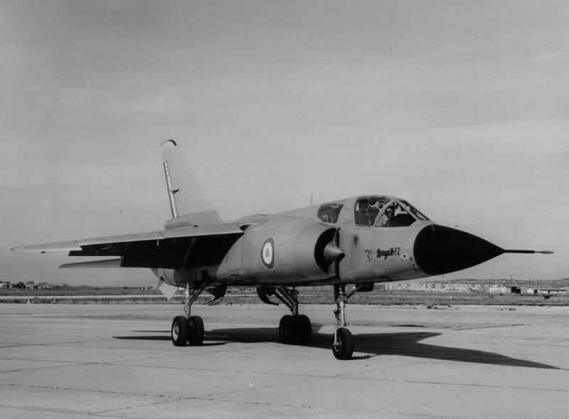 Des avions Dassault peu connus Lesmi110