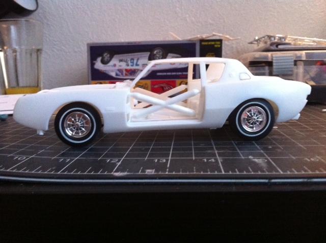 AMT 1964 Studebaker Avanti Stance10