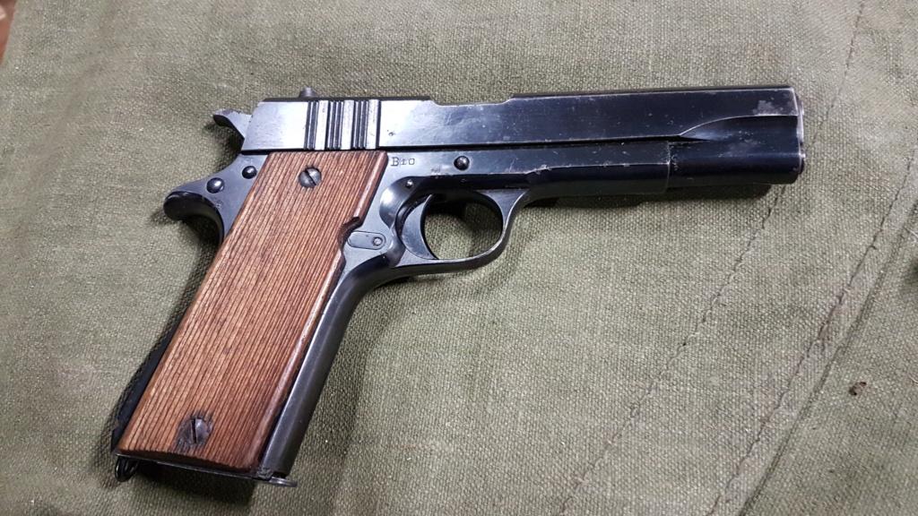 Colt 45 argentin 20210513