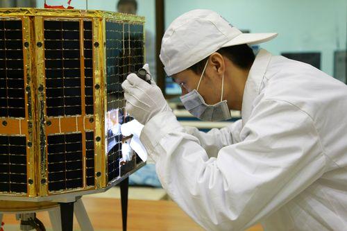 Lancement CZ-4C / Yaogan 8 & XW-1 (14/12/2009) 20091213