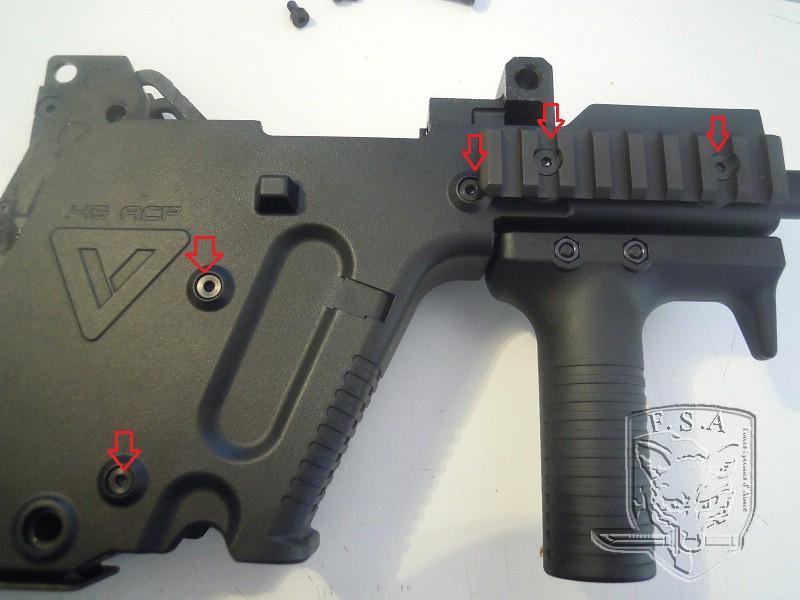 [Notice] Démontage du corps du kriss pour installation des stickers Dscn3022