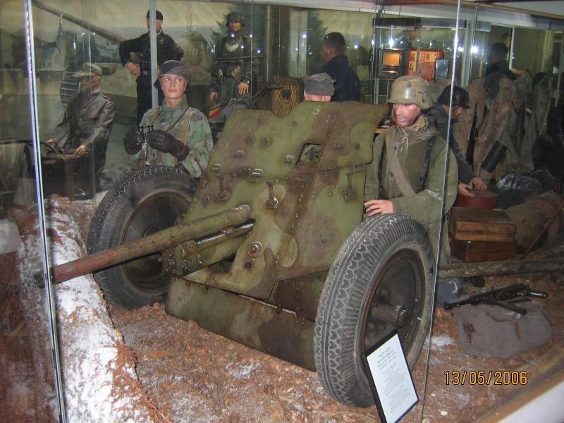 """musée de LA ROCHE EN ARDENNE """"offensice 44-45"""" Img_0712"""