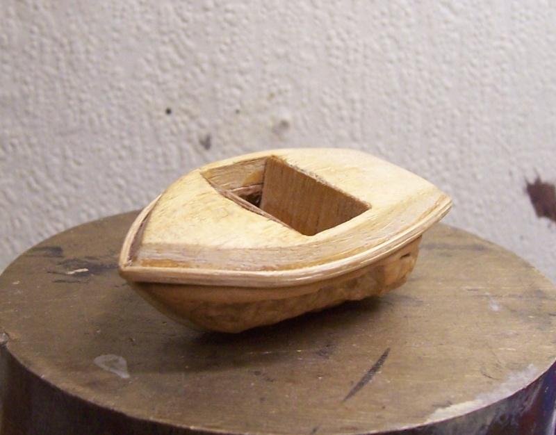 RUNABOAT/RIVA coquille de noix 100_2314