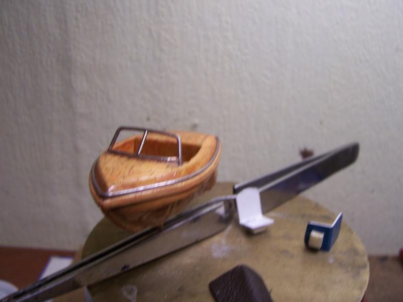 RUNABOAT/RIVA coquille de noix 100_2322