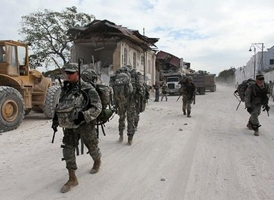 82nd Airborne troops land in Haiti Us_sol11