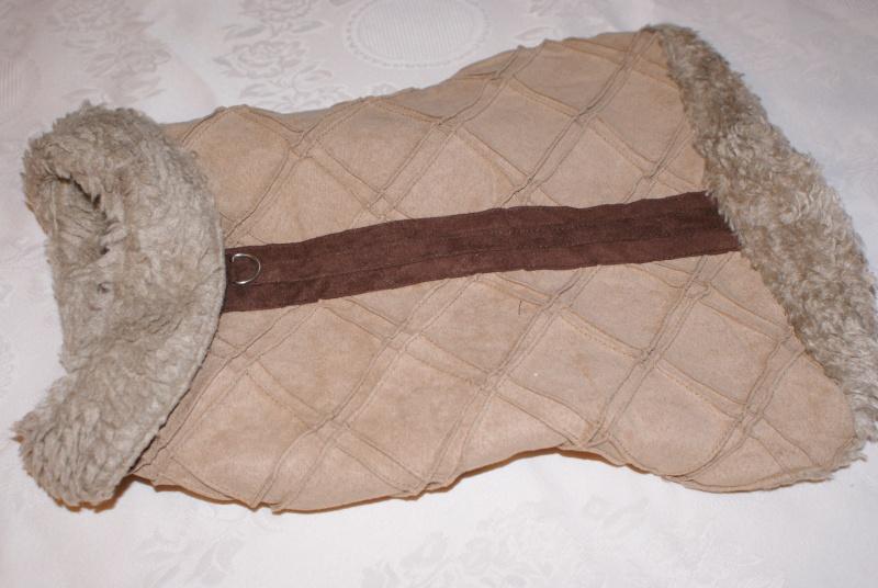 Manteau fourré marron. Dsc03631