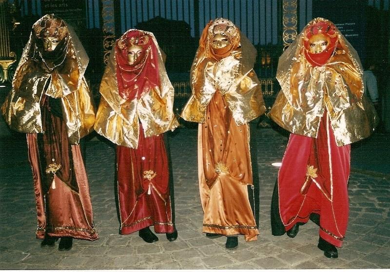 le bal de Versailles  2002, hotel de France Numari10