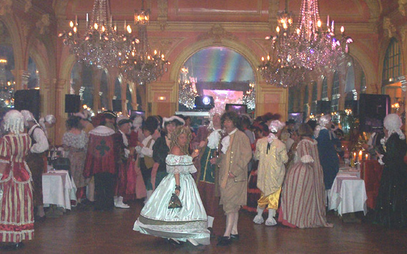 le bal de Versailles  2002, hotel de France Photo110