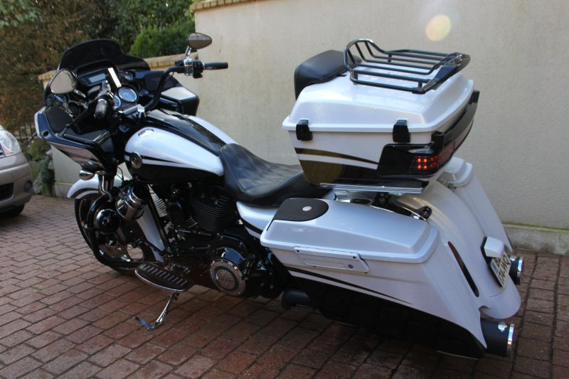 Road Glide CVO, combien sommes nous sur Passion-Harley Img_3220