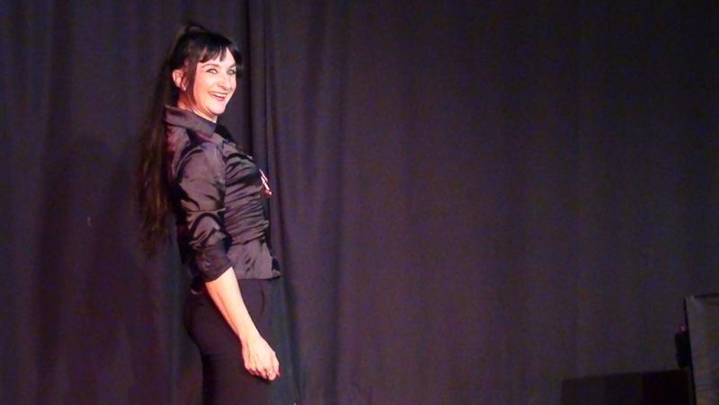 Dossier de communication pour le one woman show : J'me fais du cinéma Dossie11